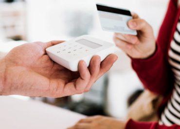 União libera R$ 10 bi para financiar MEI via maquininha de cartão